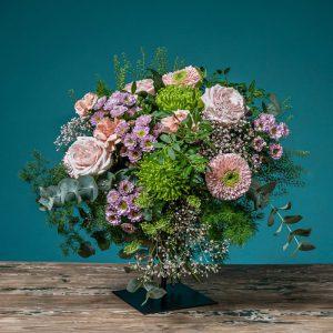 ramo de flores de mano en tonos vintage